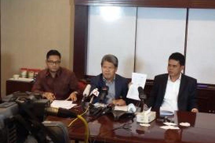 Konferensi pers kuasa hukum dari dua terpidana mati anggota kelompok 'Bali Nine', di Equity Tower, SCBD, Jakarta, Selasa (3/3/2015).