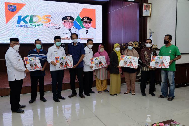 Pemerintah Kota (Pemkot) Depok resmi meluncurkan Kartu Depok Sejahtera (KDS), kartu untuk akses sejumlah layanan bantuan sosial bagi warga prasejahtera di Kota Depok.