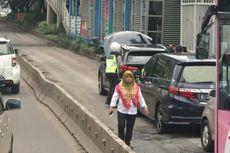 BMW X5 Mogok di Busway Sudirman, Transjakarta dan Mobil Pribadi Terjebak