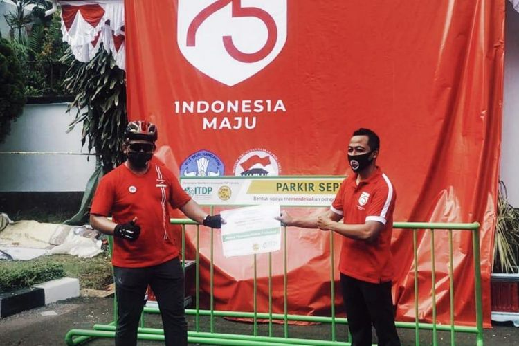 Pemberian rak parkir kepada pihak pengelola Museum Perumusan  Naskah Proklamasi, Menteng, Jakarta Pusat.