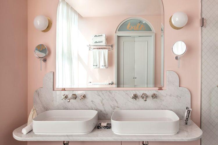 Ilustrasi kamar mandi Instagrammable.