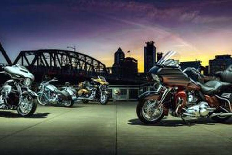 Empat model Harley-Davidson CVO 2015.