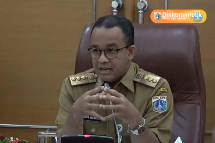 Bidik layar video rapim Gubernur DKI Jakarta Anies Baswedan di Balai Kota pada 26 Februari 2018.