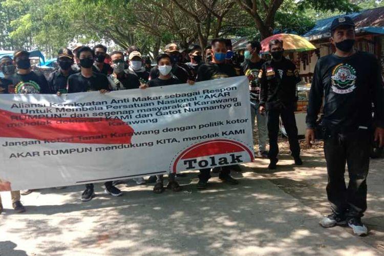 Salah satu ormas menolak acara KAMI di Rengasdengklok, Karawang, Rabu (30/9/2020).  Setelah mendapat penolakan dari salah satu ormas, deklarasi Koalisi Aksi Menyelamatkan Indonesia (KAMI) itupun dibubarkan.