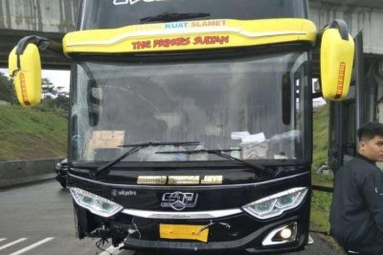 Bus AKAP Sudiro Tungga Jaya