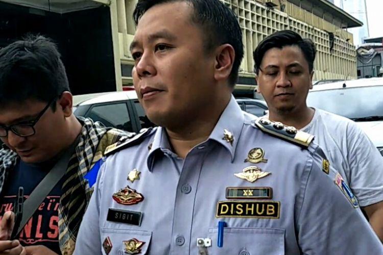 Wakil Kepala Dinas Perhubungan DKI Sigit Wijatmoko saat memenuhi panggilan Polda Metro Jaya terkait penataan Tanah Abang, Jumat (9/3/2018).