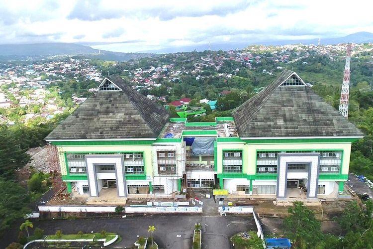 Seluruh sekolah yang direhabilitasi berada di tiga lokasi yakni 7 sekolah di Kota Ambon, 10 sekolah di Kabupaten Maluku Tengah dan 4 sekolah di Kabupaten Seram Bagian Barat.