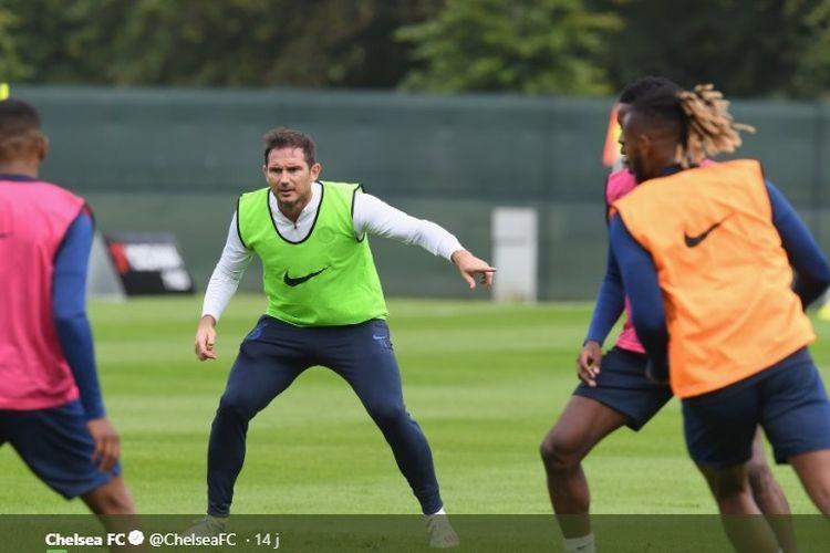 Frank Lampard ikut berlatih dengan para pemain Chelsea di Dublin.