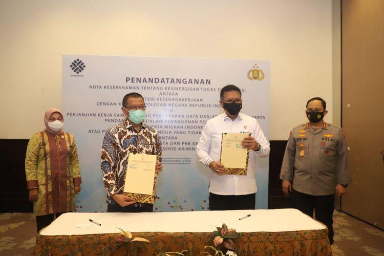 Kementerian Ketenagakerjaan (Kemnaker) bersama Kepolisian Republik Indonesia (Polri) menandatangani nota kesepahaman yang memuat kesinergisan pelaksana tugas dan fungsi ketenagakerjaan di Jakarta, Kamis (19/11/2020).