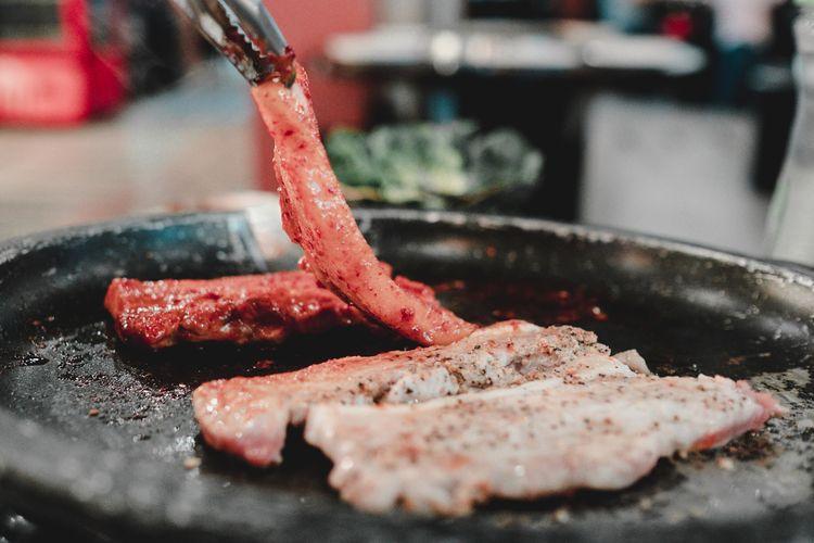 Ilustrasi daging sapi tipis untuk BBQ ala Korea.