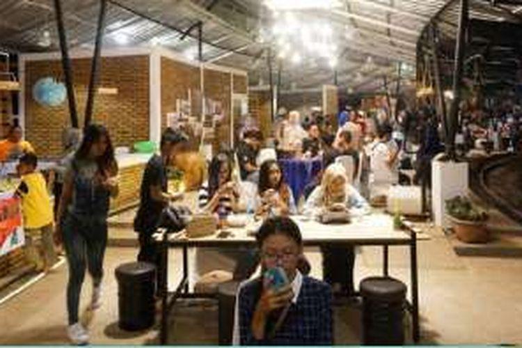 Citra Mitra City, proyek perumahan skala kota terbaru Ciputra Group di Banjar Baru, Kalimantan Selatan, kini juga disulap menjadi salah satu sentra kuliner yang mengandalkan konsep Pasar Apoeng.