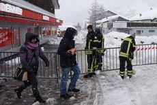 Salju Tebal Bikin Belasan Ribu Turis Terjebak di Stasiun Ski di Swiss