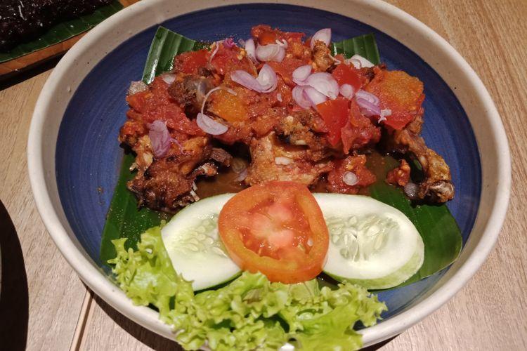 Ayam bakar sasak khas Lombok di resto Taliwang Bali, Grand Indonesia, Jakarta.