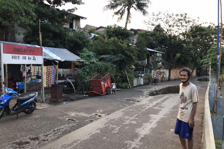 Seorang saksi terkait tewasnya editor Metro TV Yodi Prabowo, Syahrul menyebutkan melihat dua orang laki-laki berjalan kaki di Jalan Inspeksi Ulujami, Pesanggrahan, Jakarta pada Rabu (8/7/2020) dini hari sekitar pukul 02.00 WIB.