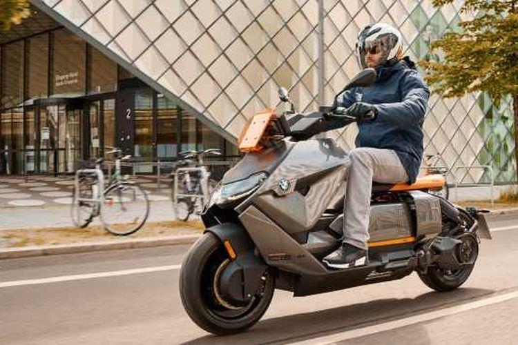BMW Motorrad resmi melansir BMW CE 04.