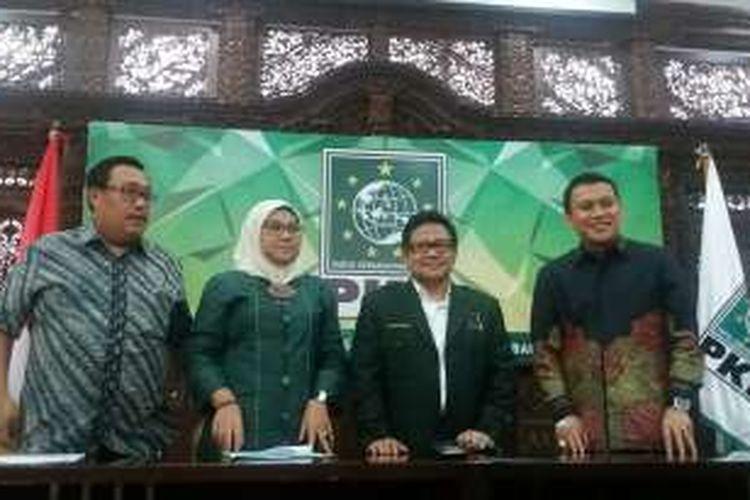 Sekjen PKB Abdul Kadir Karding, Ketum PKB Muhaimin Iskandar, Ketua SC PKB Ida Fauziah, dan Sekretaris Panitia Mukernas Bambang Susanto (paling kanan ke kiri) di Kantor DPP PKB, Jakarta, Selasa (2/2/2016)