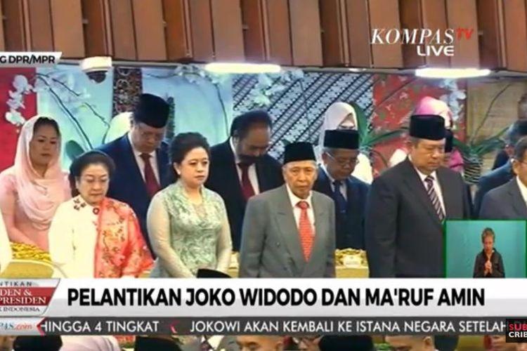 Presiden ke-5 RI Megawati Soekarnoputri tampak duduk satu deret dengan Presiden ke-6 RI Susilo Bambang Yudhoyono dalam pelantikan presiden dan wakil presiden di Gedung MPR/DPR RI, Jakarta, Minggu 20/10/2019).