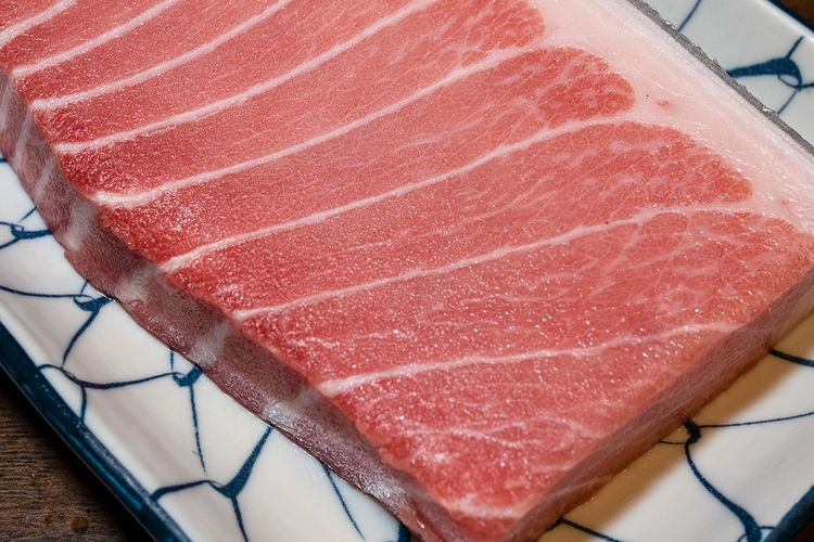 Ilustrasi otoro tuna, bagian bluefin tuna yang paling mahal.