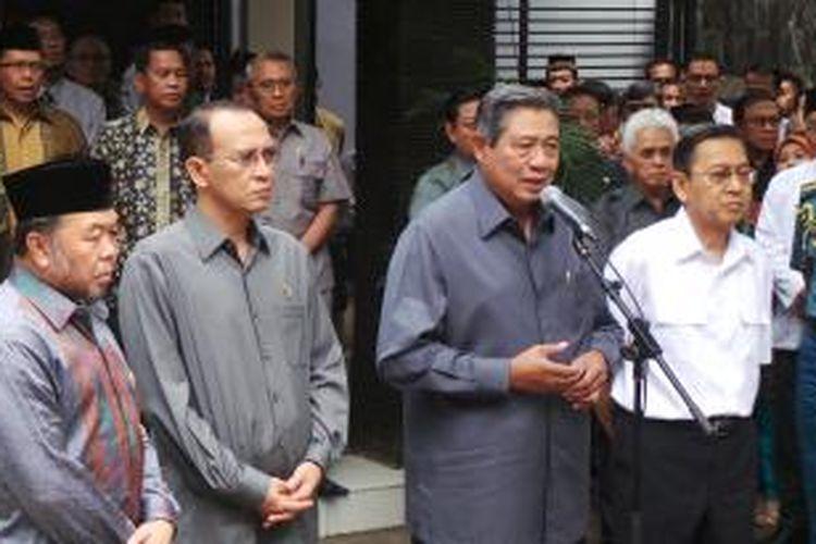 Presiden Susilo Bambang Yudhoyono mengunjungi Badan Amil Zakat Nasional (Baznas), Senin (5/8/2013). Dalam kesempatan ini, Presiden sepakat untuk menetapkan hari ke-27 pada setiap bulan Ramadhan sebagai Hari Zakat Nasional.