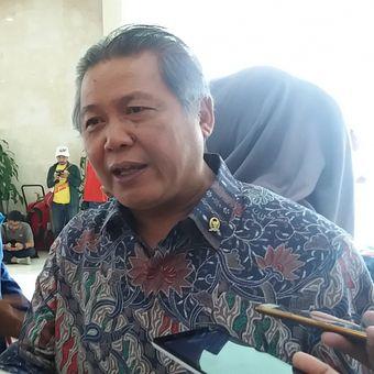 Anggota Badan Legislasi DPR Hendrawan Supratikno di Kompleks Parlemen, Senayan, Jakarta,  Rabu (25/10/2017)