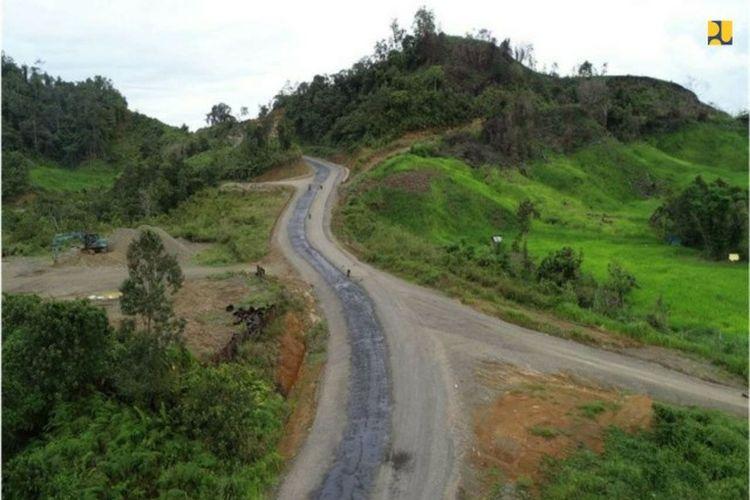 Jalan perbatasan di Kalimantan Utara-Malaysia ini terbentang sepanjang 992,35 km.
