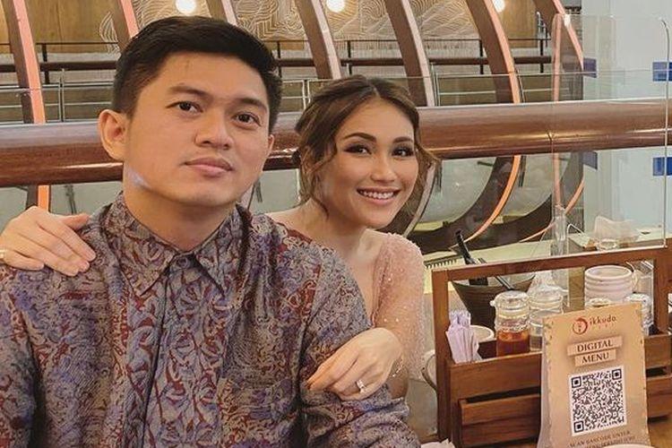 Ayu Ting-Ting Batalkan pernikahannya dengan Adit Jayusman, Akui Keputusan Pribadi.