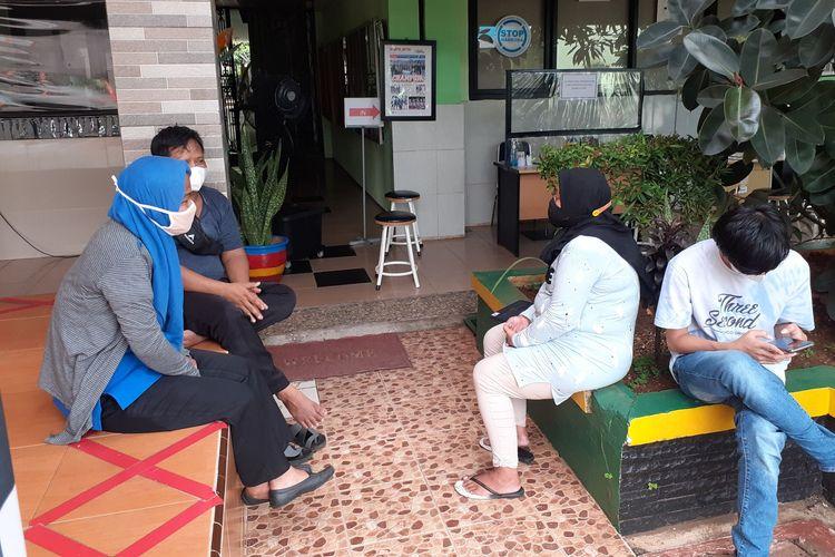 Orangtua murid mengadu akan permasalahan PPDB DKI Jakarta, Selasa (8/6/2021).