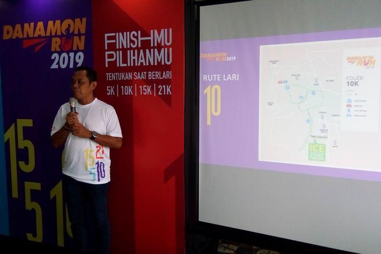 Direktur Lomba (Race Director) Danamon Run 2019 Lexi Rowi menjelaskan rute lari untuk jarak 5 km, 10 km, 15 km, dan 21 km. Danamon Run 2019 membidik 6.000 pelari. Perhelatan berlangsung pada 10 November 2019 di ICE Bumi Serpong Damai, Tangerang Selatan.