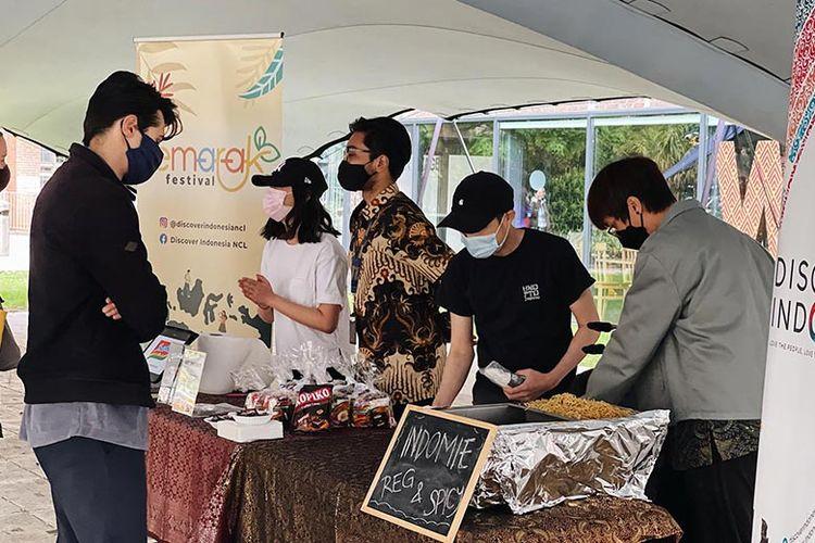 Semarak Food Festival di Newcastle University Tent.