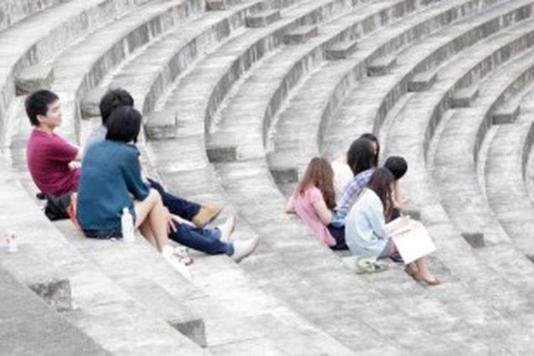 Suasana usai perkuliahan di kampus Ritsumeikan Asia Pacific University (APU), Beppu, Jepang, Kamis (27/6/2013). Bagi para mahasiswa yang tertarik dengan bahasa negara tertentu, mencari teman dari negara tersebut adalah metode paling jitu.