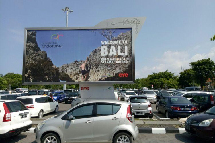 Parkir mobil Bandara I Gusti Ngurah Rai Bali