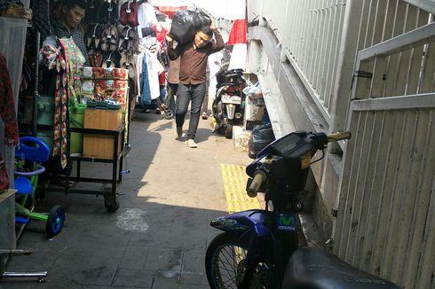 PKL Masih Berkuasa di Trotoar Jatibaru Raya meski Badan Jalan Sudah Ditertibkan