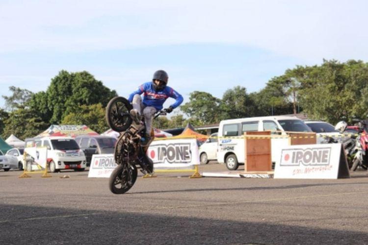 Stunt rider profesional Ghanni Grimaldi