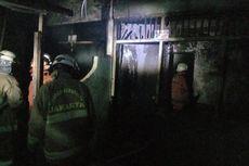 Korsleting Listrik, Rumah Bedeng di Duren Sawit Terbakar