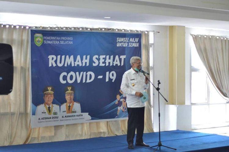 Wakil Gubernur Sumatera Selatan Mawardi Yahya  saat menutup operasi wisma atlet Jakabaring Palembang, yang sebelumnya menjadi tempat perawatan untuk pasien suspek (PDP) dan kontak (ODP) Covid-19, Senin (31/8/2020).