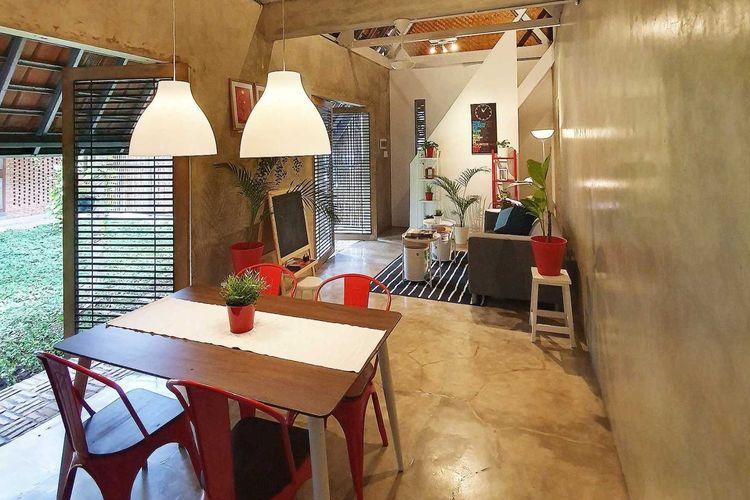 Desain interior rumah tradisional dengan sentuhan modern karya arsitek Pramudya