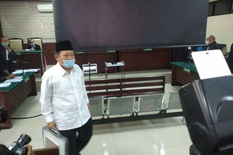 Bupati nonaktif Sidoarjo  Saiful Ilah saat sidang perdana di Pengadilan Tipikor Surabaya, Rabu (3/6/2020).