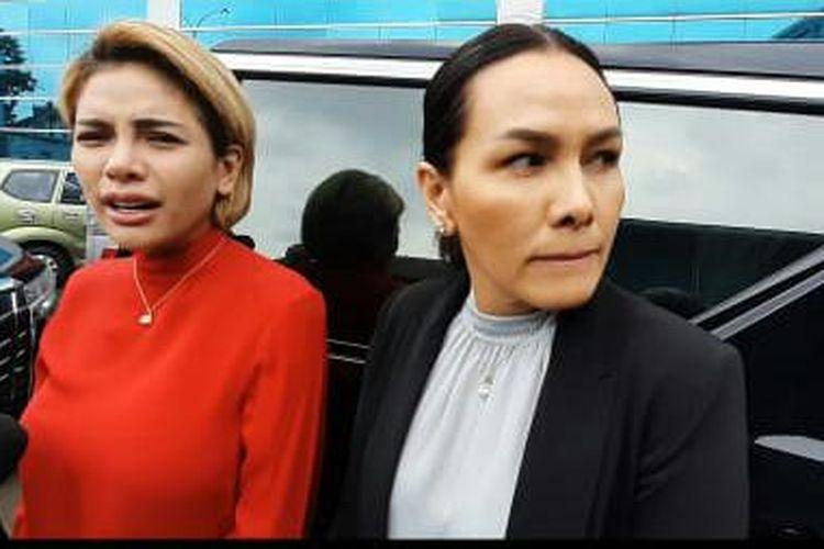 Nikita Mirzani dan Fitri Salhuteru saat ditemui di kawasan Tendean, Jakarta Selatan, Rabu (5/2/2020).