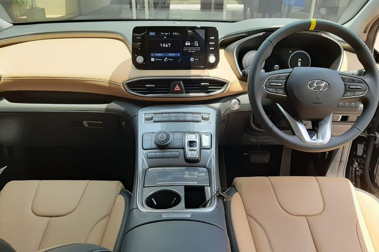 Interior Hyundai Santa Fe model 2021