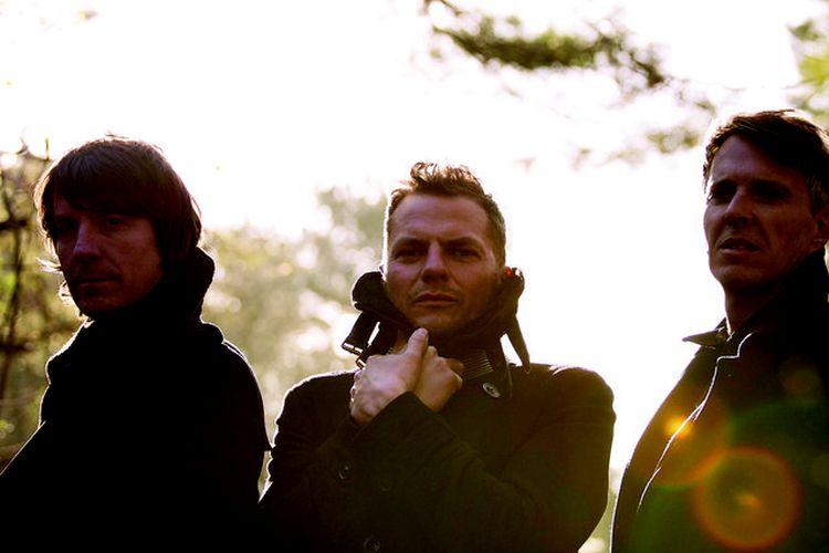 Grup musik asal Inggris, Toploader.