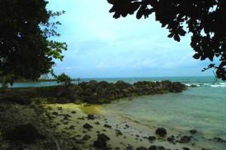 Pantai Tanjung Lesung, Pandeglang, Jawa Barat, Jum'at (13/3/2015). Di pantai ini akan dibangun marina terbesar se-Asia Tenggara.