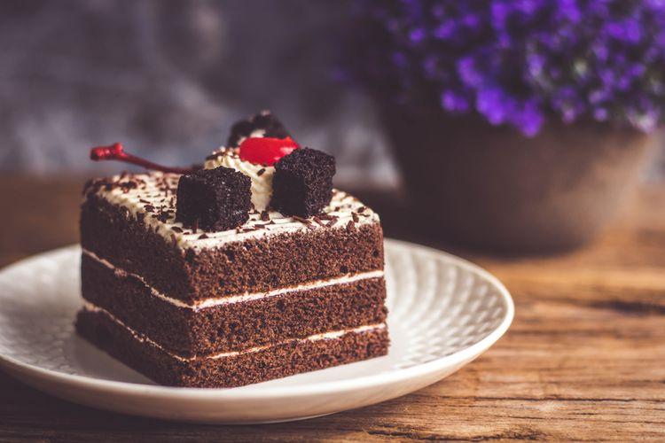 Resep Black Forest Kukus Kue Ulang Tahun Lembut Topping Cokelat Halaman All Kompas Com