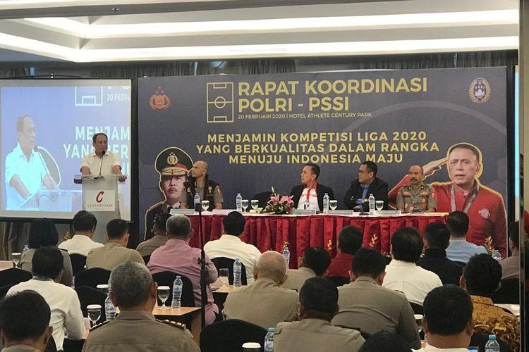 Wakabaintelkam Irjen Suntana saat memberi sambutan di rapat koordinasi Persatuan Sepak Bola Seluruh Indonesia (PSSI) dengan Polri di Hotel Century Park, Jakarta Pusat, Kamis (20/2/2020).