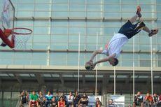 Lords of Gravity Pukau Penonton Streetball di Surabaya