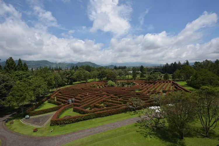Tempat wisata bernama Taman Bunga Nusantara di Kabupaten Cianjur (dok. https://www.tamanbunganusantara.com/en/).