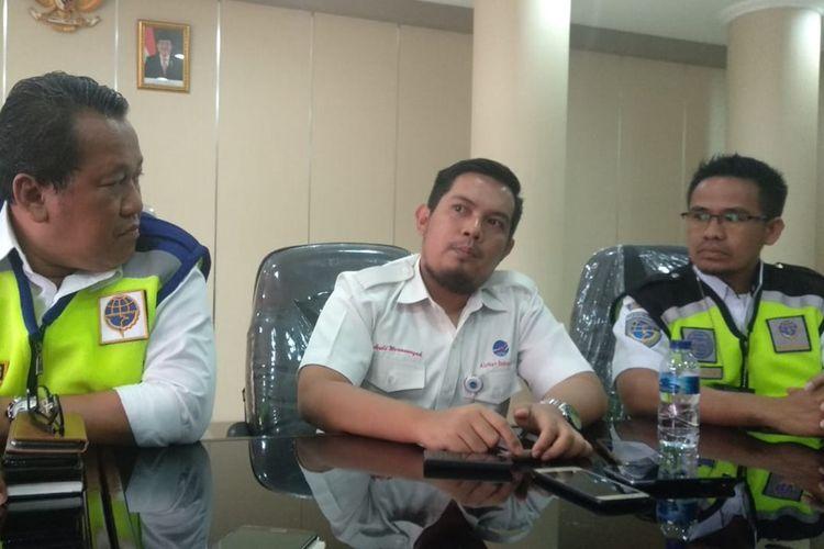 Pihak Airnav Indonesia Cabang Pembantu Timika dan UPBU Mozes Kilangin memberikan keterangan pers terkait pesawat hilang kontak, Rabu (18/9/2019)