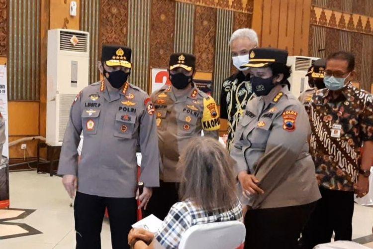Kapolri Jenderal Listyo Sigit Prabowo saat meninjau vaksinasi massal di MAJT, Rabu (24/3/2021).