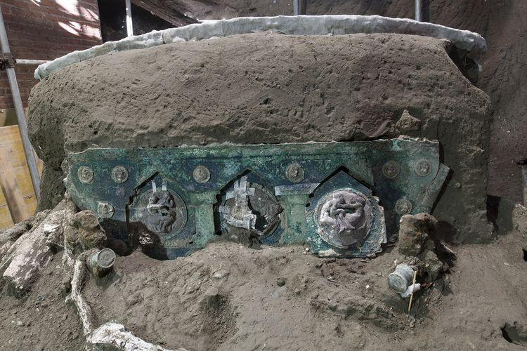 Kereta kuno Pompeii Italia berusia hampir 2.000 tahun