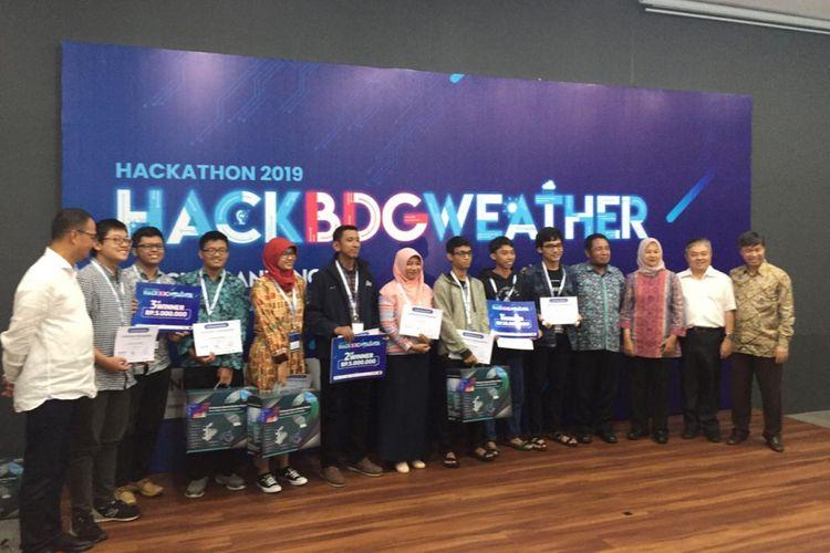 Foto juara I, II, III Kompetisi Hackathon 2019