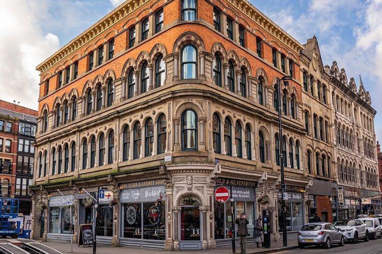 Norther Quarter Manchester, salah satu lokasi syuting The Crown